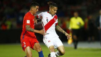 Paolo Guerrero, en un juego de las Eliminatorias de Conmebol vs Chile