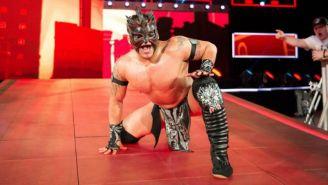 Kalisto, antes de una pelea en WWE