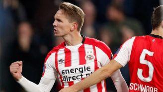 Luuk de Jong festeja un gol con el PSV