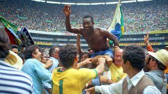 Pelé celebra el título en México 1970