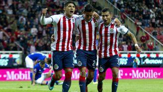 Chivas festeja gol contra Cruz Azul en el C2018