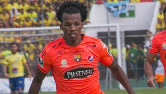 Darío Aimar, en un partido con el Barcelona