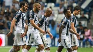 Jugadores de Monterrey después de partido vs Xolos