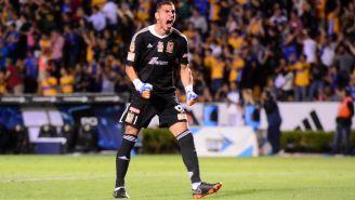 Nahuel Guzmán festeja gol contra Cruz Azul