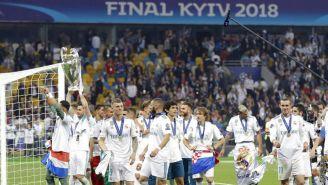 Jugadores del Real Madrid celebran victoria en Kiev