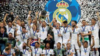 La plantilla del Real Madrid levanta el título de Champions League