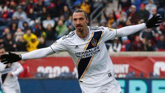 Ibrahimovic celebra una anotación con Los Angeles Galaxy