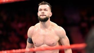 Finn Bálor durante su lucha contra Braun Strowman
