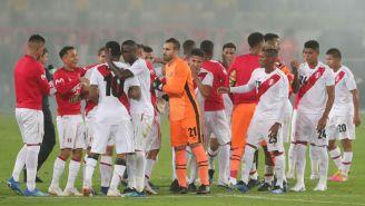 Jugadores de Perú después del partido