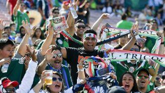 Aficionados apoyan a Selección Mexicana en amistoso