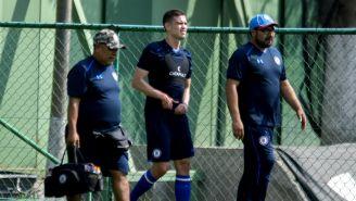 Martín Zúñiga abandona la práctica de Cruz Azul