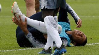 Mbappé se duele durante práctica de Francia