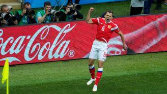 Cherysev celebra anotación con Rusia en Copa del Mundo