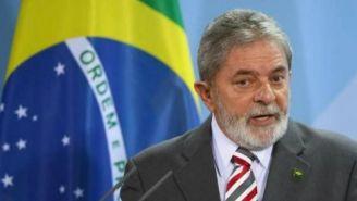 Lula da Silva habla durante un evento antes de ingresar a la cárcel