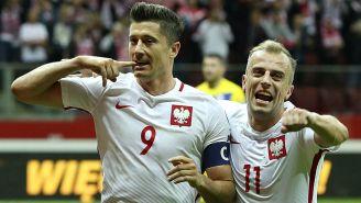 Lewandowski celebra un gol con la Selección de Polonia