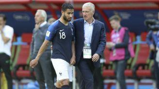 Didier Deschamps platica con Nabil Fekir