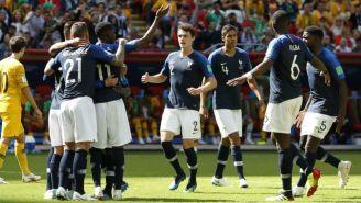 Jugadores de Francia celebra un gol contra Australia en Rusia 2018