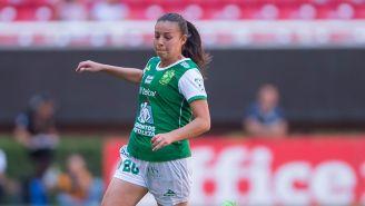 Michelle Vargas disputa un encuentro con León en el C2018