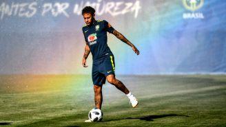 Neymar entrena con Brasil para el duelo contra Suiza