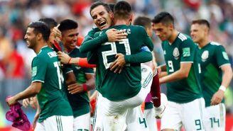 Abrazos en el Tri tras el silbatazo final contra Alemania