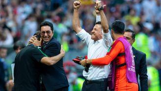 Osorio celebra el triunfo de México