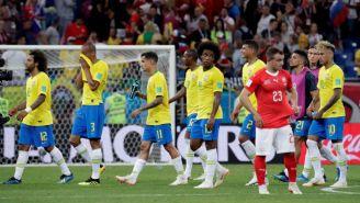 Jugadores de Brasil tras el duelo contra Suiza