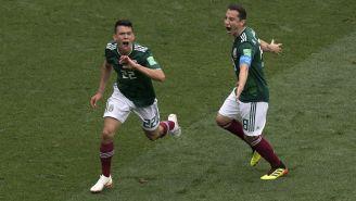 Chucky Lozano y Andrés Guardado en festejo tras gol ante Alemania
