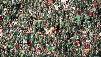 Aficionados mexicanos alientan al Tricolor en duelo contra Alemania