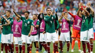 Jugadores del Tri aplauden tras la victoria contra Alemania