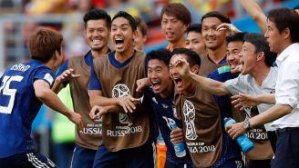 Jugadores de Japón celebran gol de la victoria