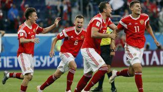 Rusia celebra su triunfo frente a la Selección de Egipto