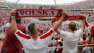 Aficionados de Polonia apoyan a su selección en Rusia 2018