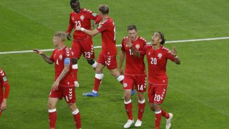 Dinamarca celebra anotación frente a Perú