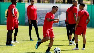 Miguel Trauco entrena con Perú previo al juego contra Francia