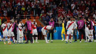 Jugadores de Perú se lamentan tras quedar eliminados de Rusia 2018