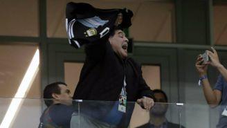 Maradona lanzó gritos y manotazos en el juego de la Albiceleste
