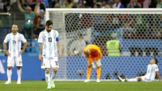 Jugadores de Argentina salen desconsolados tras derrota contra Croacia