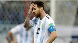 Messi se lamenta durante el partido contra Croacia