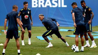 Brasil entrena de cara al juego contra Costa Rica