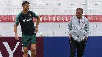 Cristiano Ronaldo y Fernando Santos, en entrenamiento