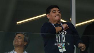 Maradona observa el juego de Argentina vs Islandia en Rusia 2018