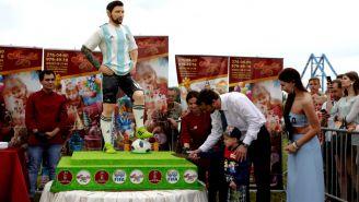 Habitantes de Bronnitsy celebran cumpleaños de Messi