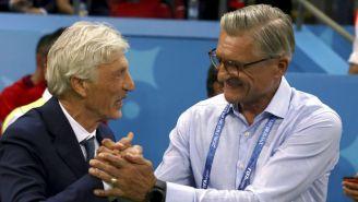 Pekerman (izq) y Nawalka (der) se saludan previo al Colombia contra Polonia