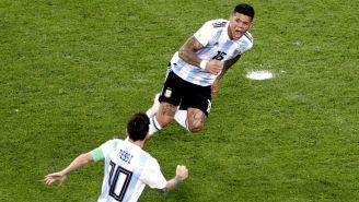 Marcos Rojo festeja gol contra Nigeria