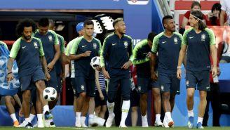 Brasil sale a la cancha para la práctica previo al duelo vs Serbia