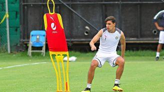 Josecarlos Van Rankin en un entrenamiento de Chivas