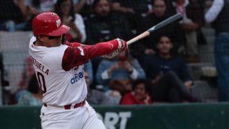 Jesús Valenzuela en el bat