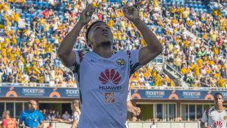 Martínez celebra anotación contra Monarcas