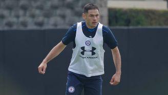 Pablo Aguilar en un entrenamiento de Cruz Azul