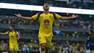 Cecilio Domínguez festeja un gol con el América en C2018